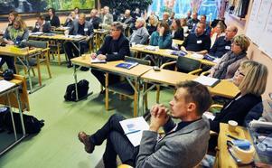 Det var en tydligt bekymrad skara företrädare för en rad kommuner som samlats i Bräcke för att dryfta problemen med de utländska bärplockarna.