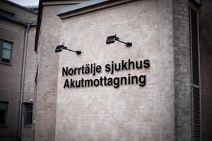 Vänsterpartiet stödjer den nuvarande Norrtäljemodellen, med en beställarmodell som utgår från våra lokala vårdbehov. Vi anser att partierna i Norrtälje kommun ska gå samman och få sina regionala företrädare att ändra sig, skriver Catarina Wahlgren.