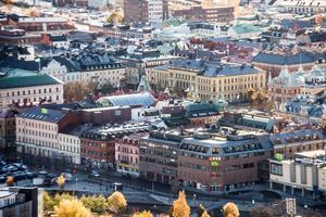 Signaturen PR-tanten ger förslag på hur man kan få Stenstan i Sundsvall att blomma.