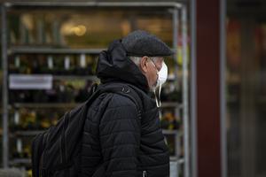 Debatten om munskydd fortsätter att gå varm.