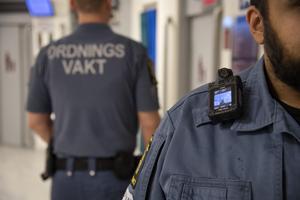Moderaternas ofta ensidiga svar på trygghetskapande åtgärder är fler väktare och kameror. Sedan ett par veckor har vi stärkt upp med väktare i city.