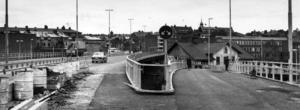 I september 1972 är arbetet med Frösöbron och allt runt omkring i stort sett klart. Visst känner ni igen avfarten mot Strandgatan? Foto: ÖP:s arkiv