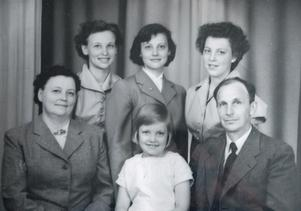 Första gången Ingrid Vikström fick rösta var 1952 och då som tjugoåring: