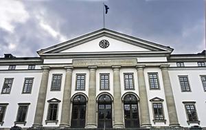 Skribenterna vill att politikerna i Region Stockholm satsar mer på Parkinsonvården. Foto: Hasse Holmberg/TT