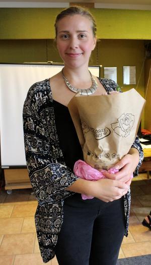 Karin Notsten från Hörbart besökte PRO i Ösmo. Foto: Ulla Laiho