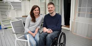 Petter Stendahl är hemma i Sundsvall igen, här med flickvännen Elvira Castillo.