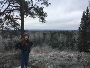 Ett av Alenas uttryckliga önskemål inför Sverigebesöket var att få vistas mycket i naturen, något som gav även John flera nya platser där han aldrig tidigare varit. Foto: Privat