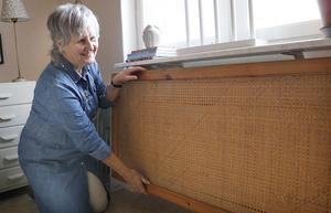 Margaret Lennartsson är synskadad och har svårt att göra vissa praktiska saker själv. Genom Hemmafixarna har hon fått elementskyddet på plats.