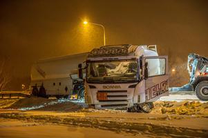 Tankbilen körde av vägen. Foto: Niklas Hagman