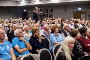 Det var gott om publik som ville ta del av sjukvårdsdebatten.