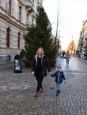 På väg att lämna Sundsvall i vinter. Moa Eld har varit sundsvallare i nio år, men ett jobb vid Försvarshälsan i Luleå hägrar. Men miljöengagemanget lämnar hon förstås inte.
