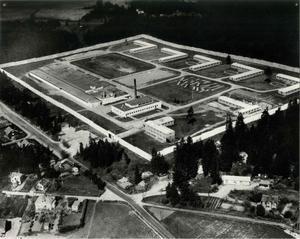 Norrtäljeanstalten har funnits sedan 1959. På den tiden var det bara en grå betongmur som skilde de intagna från omvärlden. Foto: Sveriges fängelsemuseum