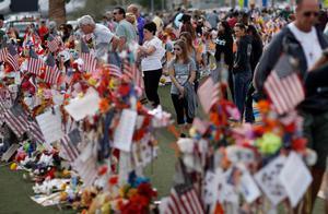 Minnesplatsen i Las Vegas efter döddskjutningen då 58 människor dödades och hundratals skadades. Arkivfoto: John Locher / AP Photo/
