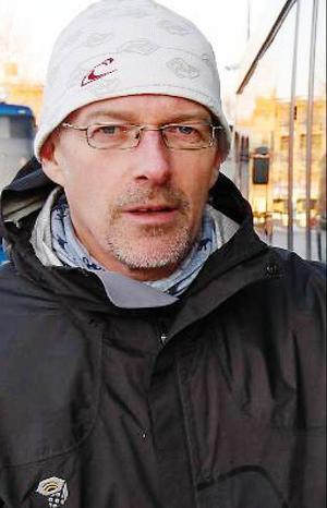 Renhållningschefen Ola Skarin är besviken för att Östersundsborna inte är bättre på att sortera sina sopor.