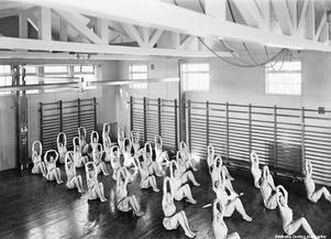 Gymnastiksalen på Kävesta folkhögskola 1938. Foto: Eric Sjöqvist/Örebro stadsarkiv