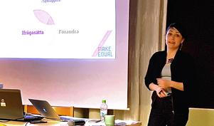 Armina Etminan, utbildningsansvarig och föreläsare på Make Equal, föreläste om #metoo och vad som kommer hända nu.Foto: Eva Langefalk