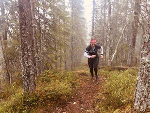 Tvåan Evgeniya Ryapolova, och även snabbaste dam, med lätta ben i klättringen.