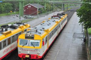 När ska vi få Knalletåg i Västra Götaland liktKrösatågenochPågatågen, frågar sig insändarskribenten.