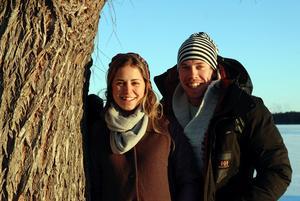 Ständiga följeslagare såväl i livet som i skidspåren: Anna Haag med sin Emil Jönsson.  Foto: Gunnar Bäcke