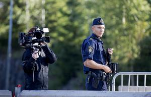 Tv-teamet från produktionsbolaget Nordisk film tv har följt poliserna i Södertälje sedan maj. Programmet ska sändas på Kanal 5 och har premiär i höst.