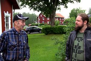 Erik Eriksson välkomnade Johan Norbäck och hans gäng till sin gård för att genomföra sin knäppa festivalidé där.