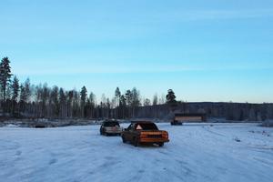De här epa-traktorerna övade sladdar på inhängnat område. Signaturen Rondellgranne vittnar om att i Borlänge övas det i trafiken på ett farligt sätt.