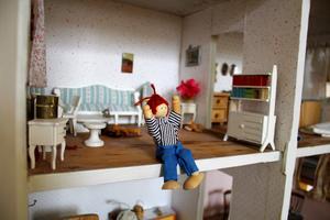 Det gamla dockhuset är perfekt när Birgittas barnbarnsbarn, Matildas dotter, hälsar på.