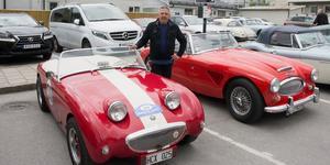 Börje Engvall med sin Austin-Healey  som är anpassad för racing.