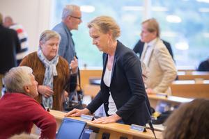 På måndagens fullmäktigemöte drev kommunstyrelseordförande Boel Godner (S) linjen att Telge bostäders styrelse inte ska ställa sina platser till förfogande. Det argaste motståndet kom från Staffan Norberg (V) och Mats Siljebrand (L) som syns i bakgrunden.