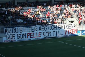 SIF-fansens tifo som Pelle Olsson gärna varit utan.
