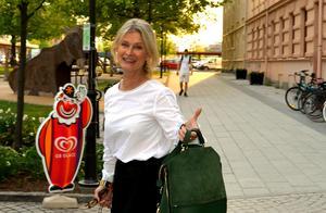 Skådespelaren Lena Endre gjorde en snabbvisit i Sundsvall den 22 maj.  Diskussionskvällen handlade om demokratin och vikten av ett ständigt pågående samtal.