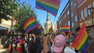Förra året deltog 4-500 personer i prideparaden i Mora, som var den första som arrangerades.