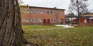 Politikerna i kommunfullmäktige klubbade på måndagskvällen igenom förslaget till ny detaljplan för området där Karlaskolans gamla gymnastiksal ligger.