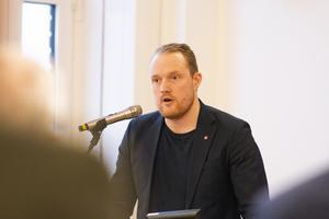 Niklas Daoson (S), pratade om vikten av ökad jämlikhet i samhället.
