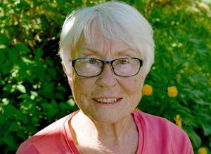 Berit Åsberg hoppas att kommunen gör en ordentlig utredning och inför arvoderad anhörigvård som ett alternativ till hemtjänst.