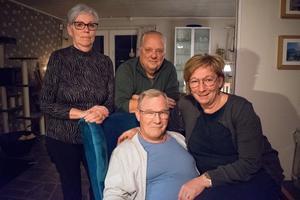 15 år senare är fortfarande Eva och Jan Asplind, Bo och Angela Männikkö i Grycksbo goda vänner.