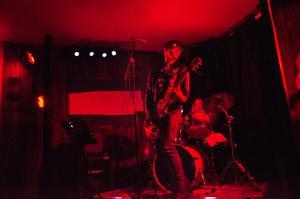 Wicktoria Molitor är frontfigur i   Ztereotyperna, som bara spelat ihop i en vecka innan de uppträdde på Café Deed.