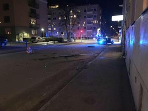 Biljakten slutade på Nygatan i Örebro. Läsarbild.