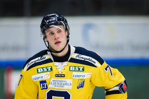 Foto: Bildbyrån. SSK-backen Jacob Spångberg blickar både bakåt och framåt i en intervju med Hockeypuls.