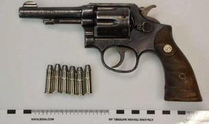 Revolvern som polisen tog av Njurundabon.