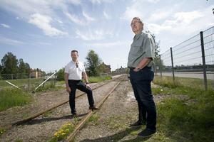 Poliserna Olavi Blomfjord och Berndt Bergström grep Mattias Flink, sommarnatten för 25 år sedan.