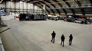 Ytan i hallens bakre del gapar tom och mässorna i Sundsvall står inför stora utmaningar.