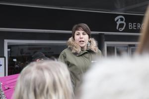Under manifestationen berättade också Andréa Bromhed (Mp) om processen för klimatmanifestet som lämnades in till kommunen  i november.