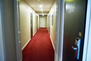 Genrebild. Ett hotell föreslås byggas ihop med skolan och biblioteket vid Strandenområdet i Mora.