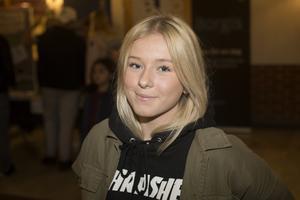 Engla Nässbjer, Vallbackskolan, var på informationskvällen med några kompisar.