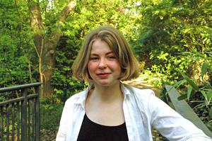Saga Wallander, 19 år, tilldelas årets stipendium till Lars Gustafsson minne.