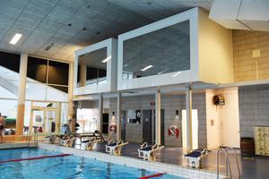 Den gamla simhallen i Örnsköldsvik, som byggdes 1971, är i stort behov av renovering.