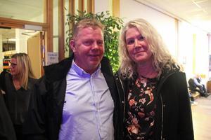 Lasse och Ingela Tägström från Sandviken såg fram emot spelningen.