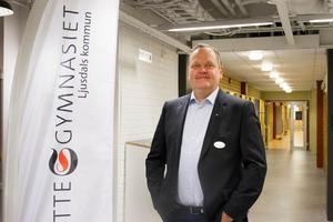 Utredaren Jan Oskarsson, tidigare rektor på Slottegymnasiet, har tagit fram två alternativ på framtida skolstruktur.