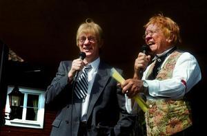 Peter Flack och Björn Sundberg uppträdde i olika sammanhang tillsammans. Här i sina mest kända rollkaraktärer.arkivfoto